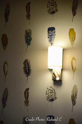 Applique liseuse papier plumes hannah elizabeth interior design