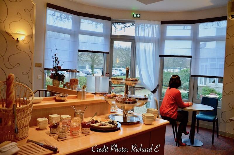 Baie vitree salle petit dejeuner hannah elizabeth interior design