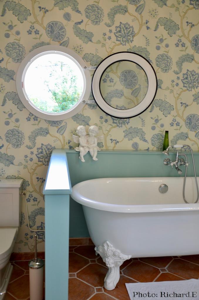 Baignoire pied lion tomettes vert d eau salle de bain hannah elizabeth interior design
