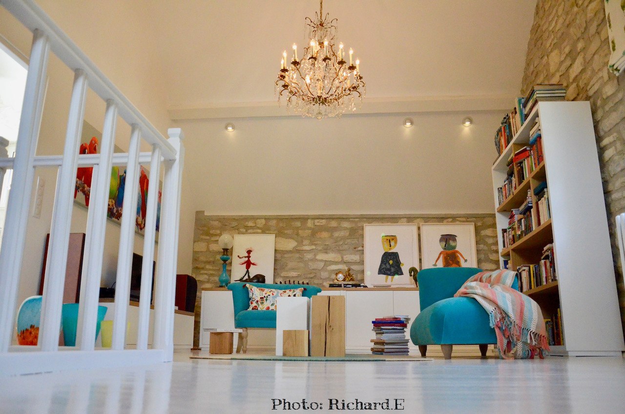 Bibliotehque sol blanc mur pierre hannah elizabeth interior design