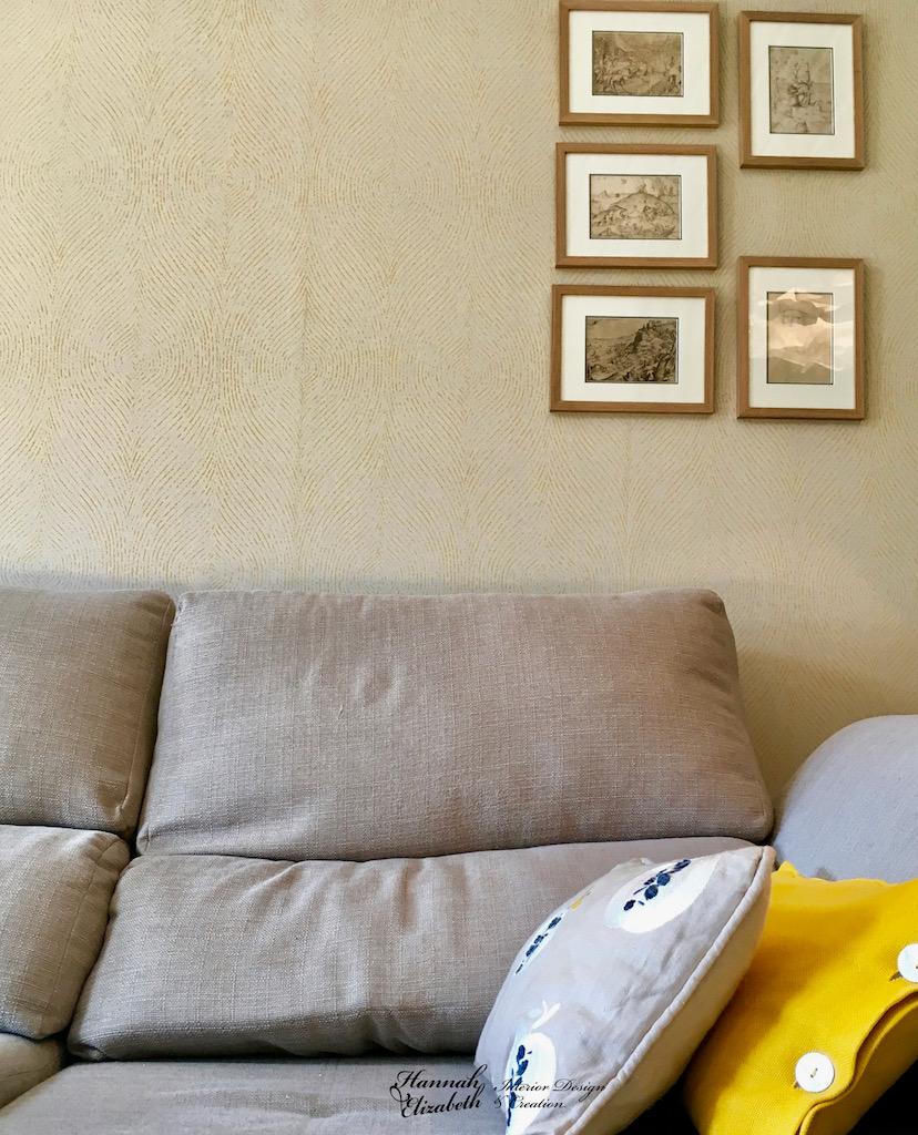 Canape mur jaune bois lampe nuage hannah elizabeth interior design