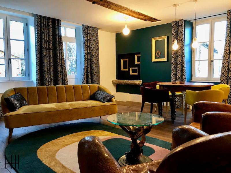Canape retro tapis retro salon bleu vert paon hannah elizabeth interior design