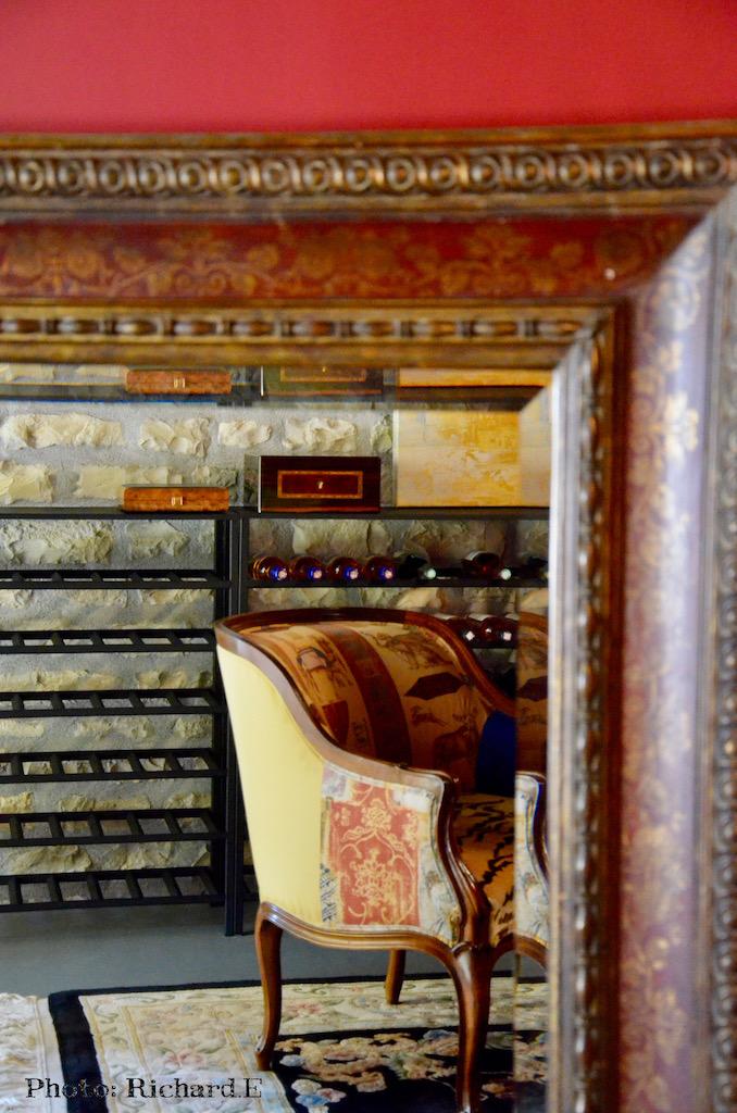 Cave tapis miroir venise hannah elizabeth interior design
