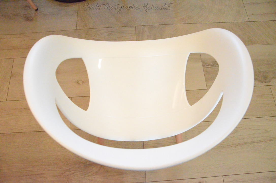 Chaise sourire