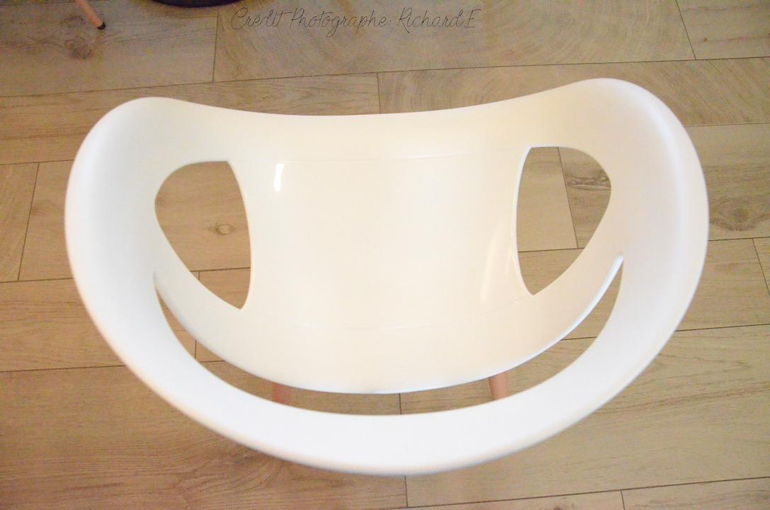 Chaise sourire