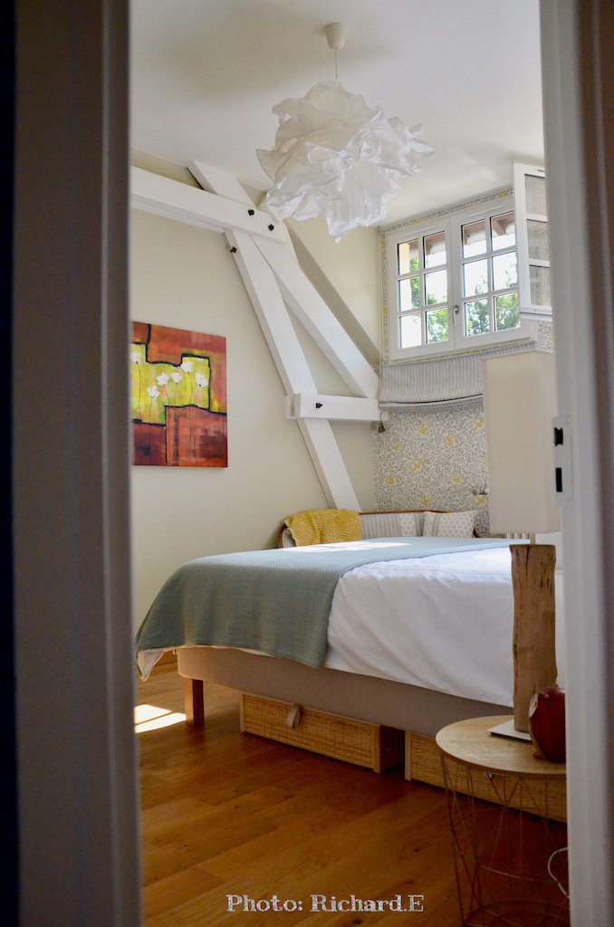 Chambre charpente blanc hannah elizabeth interior design