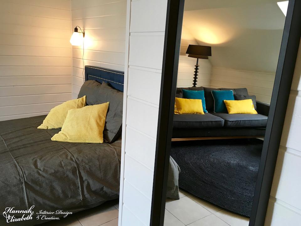 Chambre et salon noir bleu jaune miroir