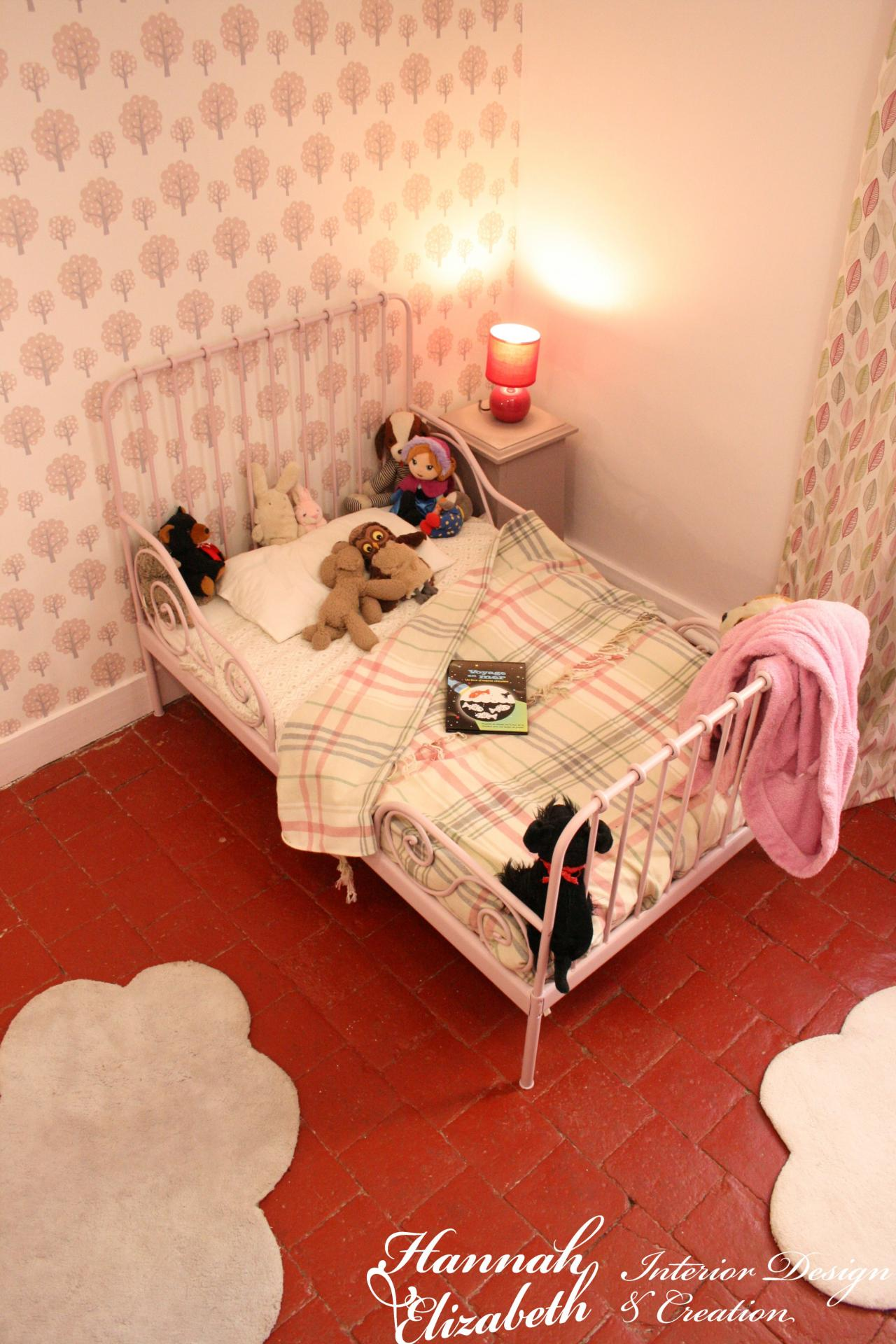 Chambre fille rose framboise nuage
