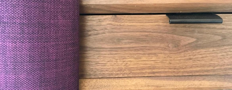 Chevet noyer rideaux violet hannah elizabeth interior design