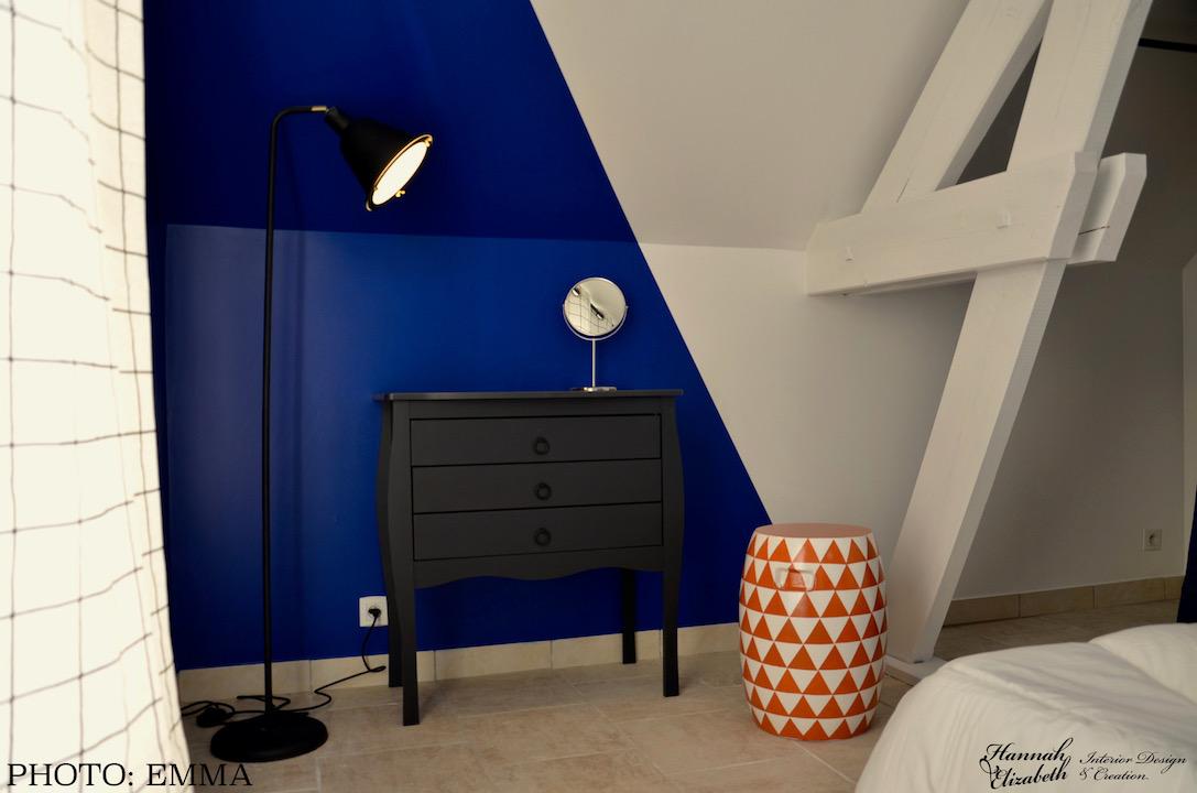 Coin coiffeuse mur bleu