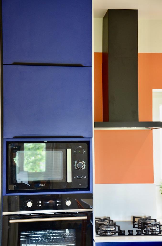 Colonne bleu cuisine hannah elizabeth interior design