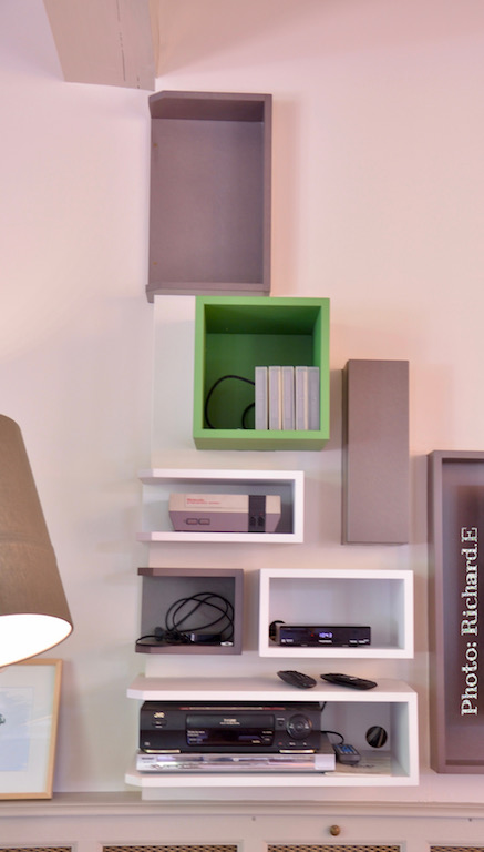 Composiiton mural salon sur mesure gris vert hannah elizabeth interior design