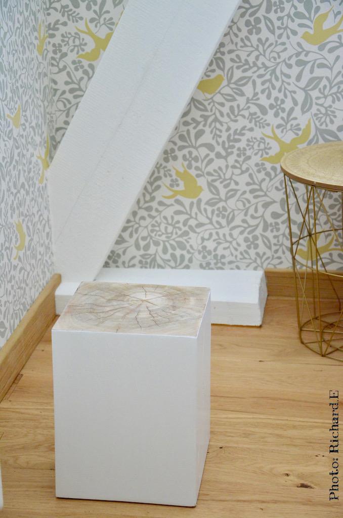 Cube chene parquet clair chevet hannah elizabeth interior design