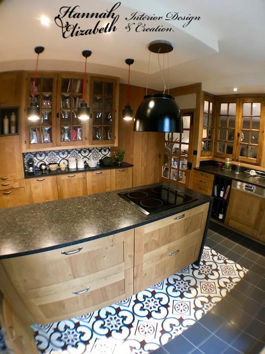 Cuisine bois carreaux ciment plan granite