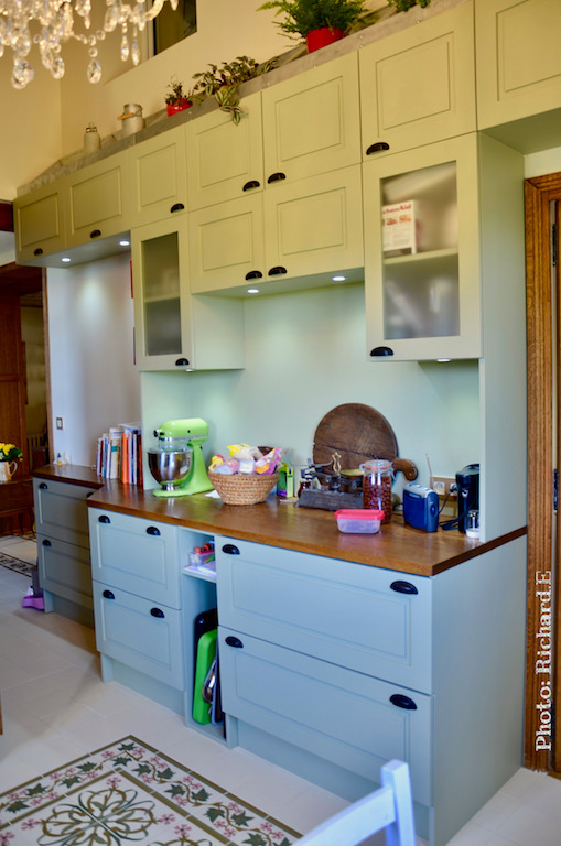 Cuisine sur mesure bac a fleurs vert tilleul zinc bois hannah elizabeth interior design