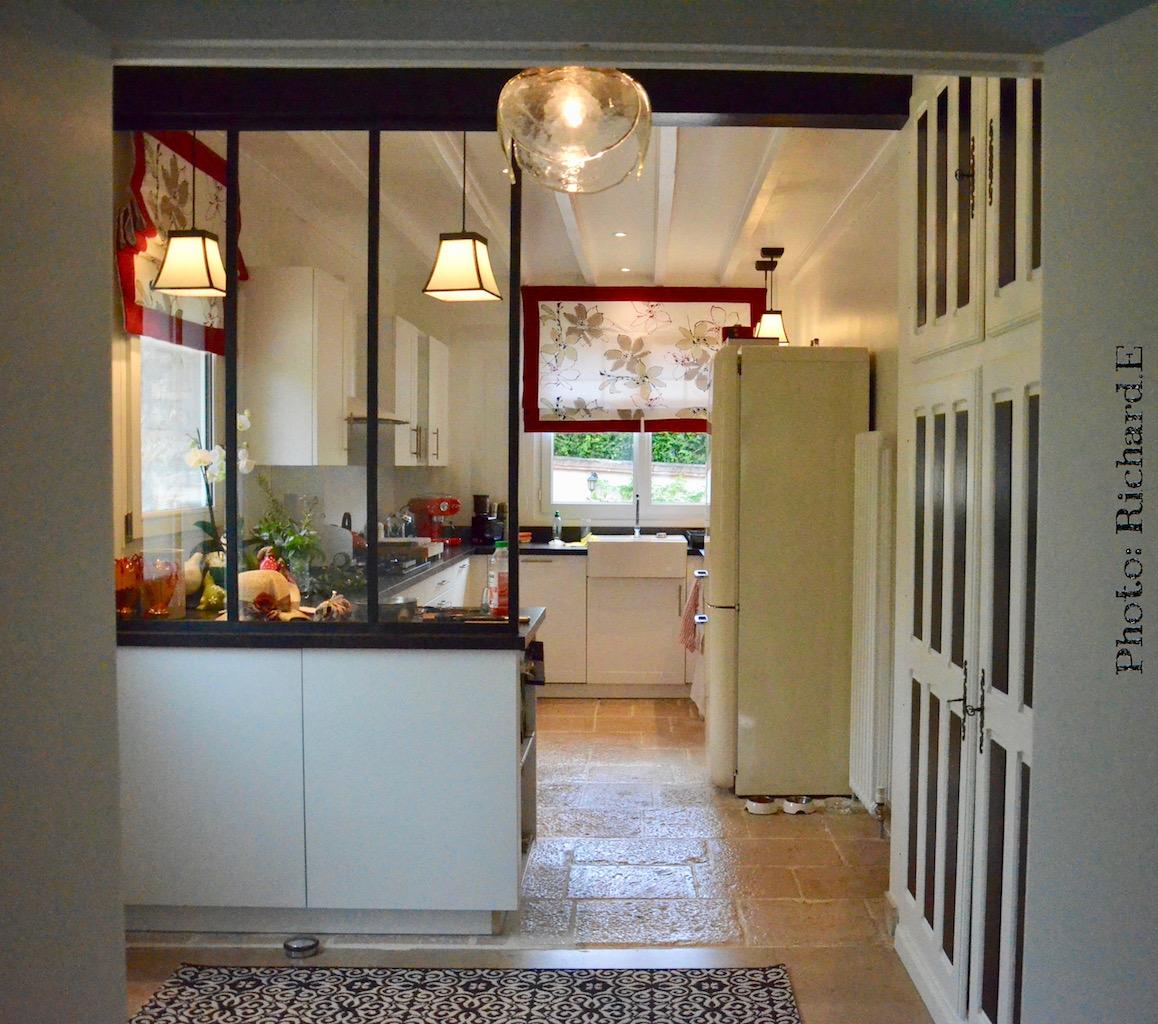Cuisine verriere store rouge noir hannah elizabeth interior design