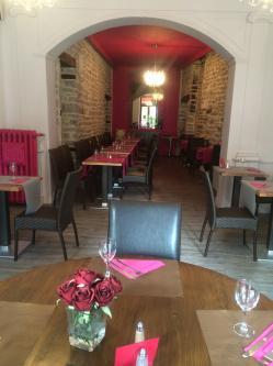 Decoration restaurant ancien et moderne semur en auxois hannahelizabethinteriordesign 1