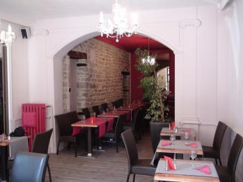 Decoration restaurant semur en auxois fuschia pierre parquet hannahelizabeth id