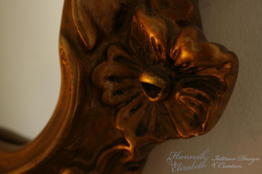 Detail miroir or chambre amis