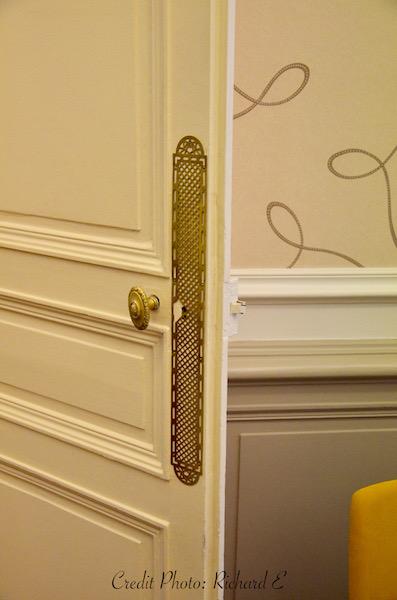 Detail porte hannah elizabeth interior design