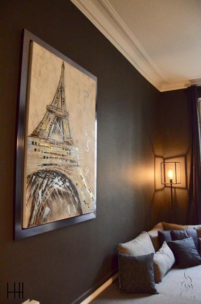 Eiffel canape gris mur gris hannah elizabeth interior design