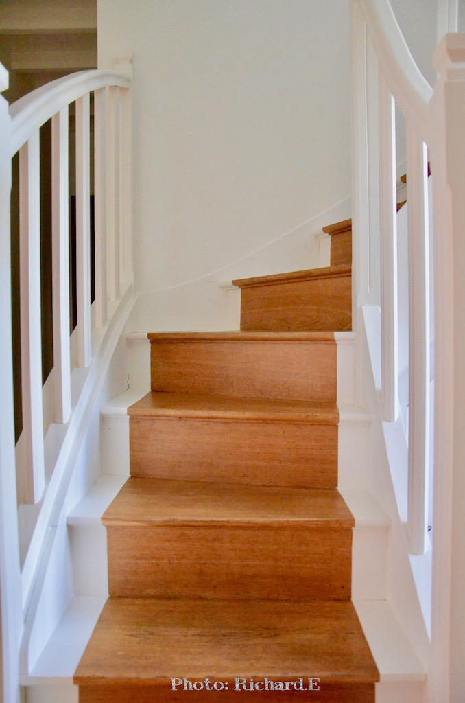 Escalier bois et blanc hannah elizabeth interior design