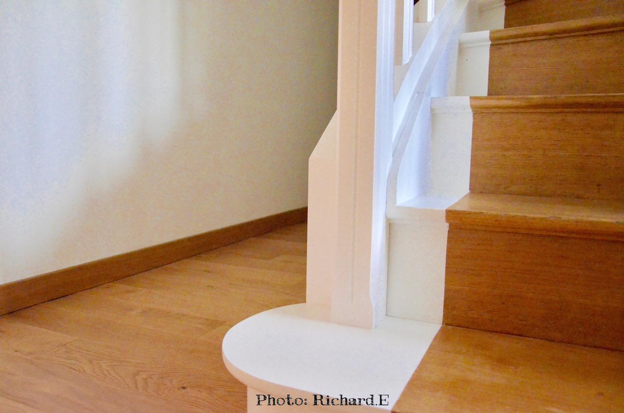 Escalier bois et blanc parquet bois clair hannah elizabeth interior design