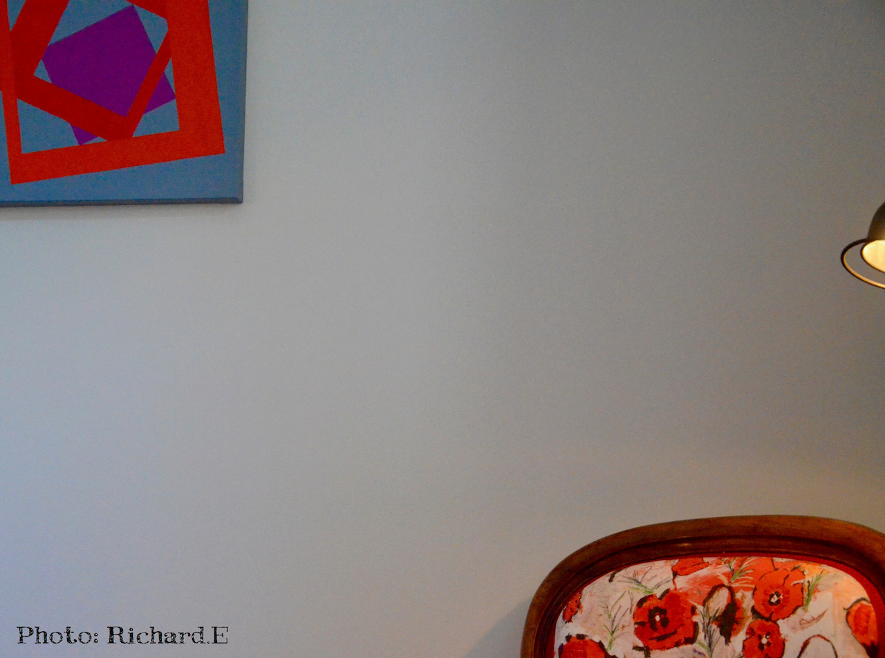 Fauteuil ancien tableau contemporain hannah elizabeth interior design 1