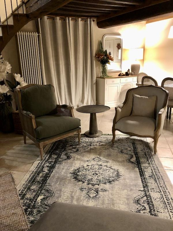Fauteuiles classique hannah elizabeth interior design