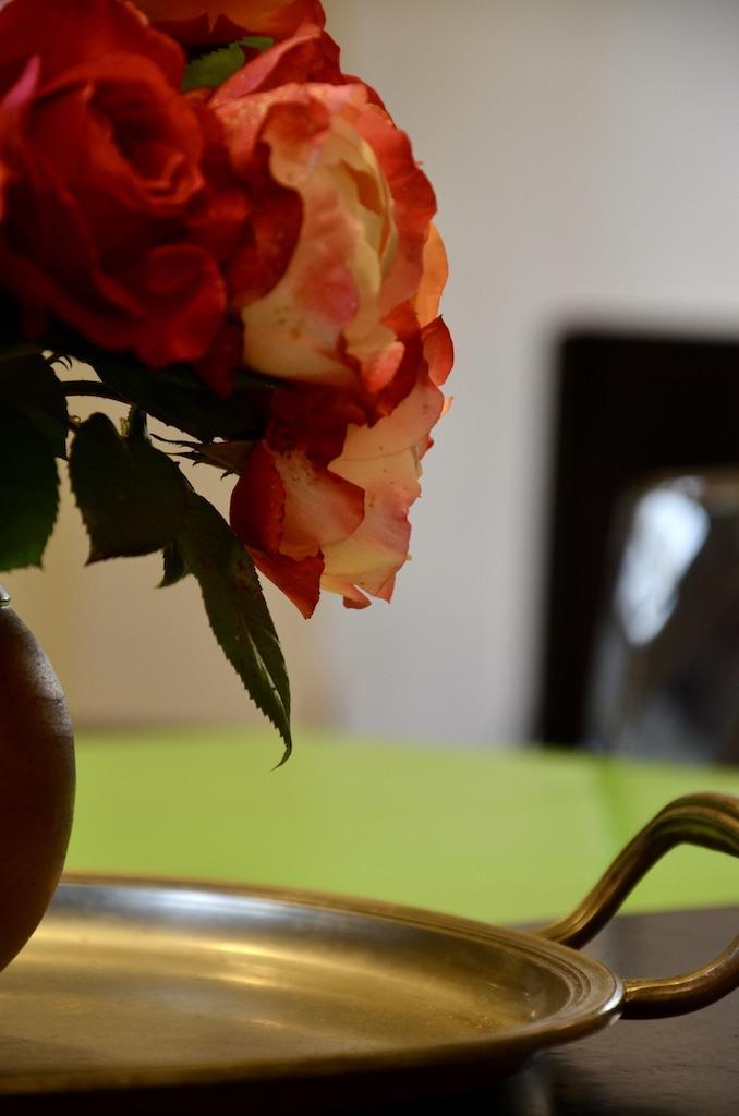 Fleur table noir vert hannah elizabeth interior design
