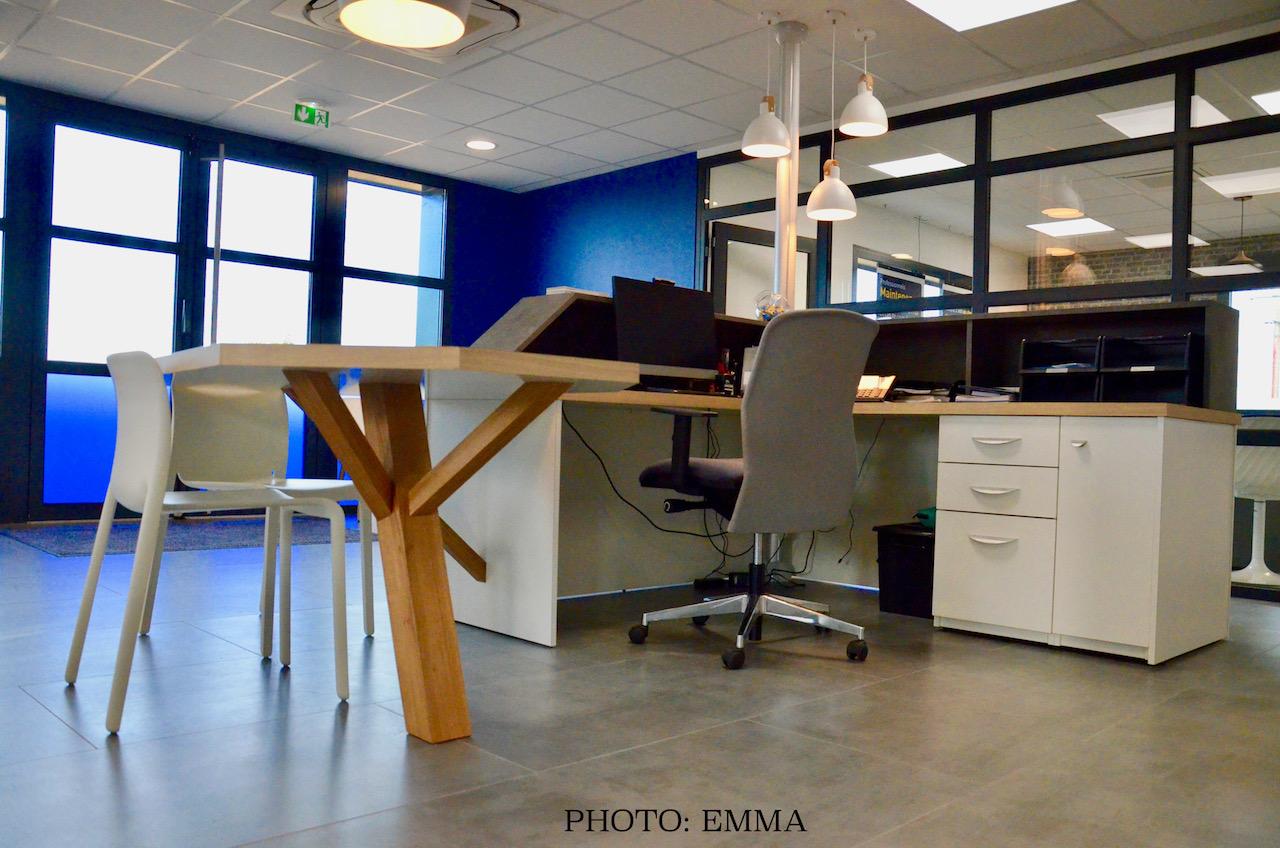 Gan assurances bureau accueil pied bois hannah elizabeth interior design