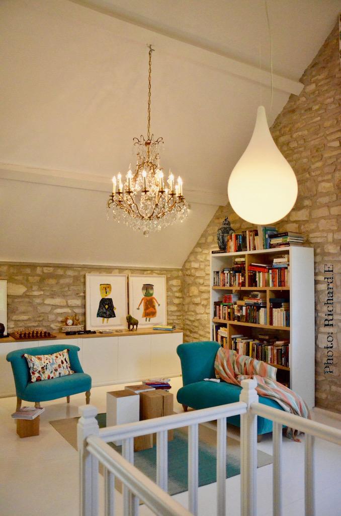 Lustre luminaires goutte deau sol blanc bibliotheque hannah elizabeth interior design