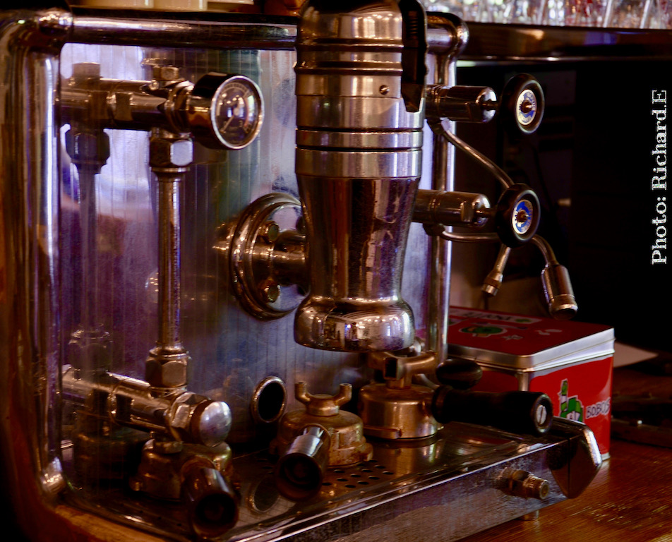 Machine a cafe retro hannah elizabeth interior design