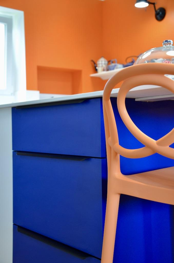 Meubles cuisine bleu hannah elizabeth interior design