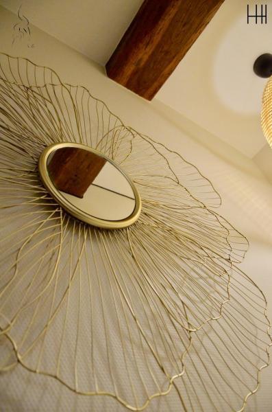 Miroir fil metal poutre hannah elizabeth interior design