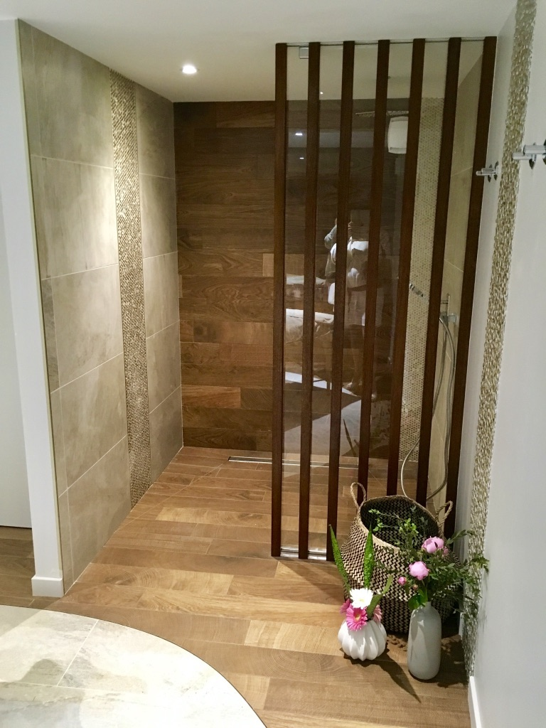 Mosaique 3d spa des clos douche hannah elizabeth interior design