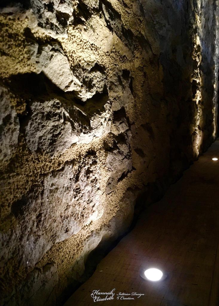 Mur en pierre hannah elizabeth interior design
