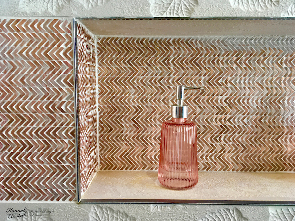 Niche faience cuivre fleches salle de bain hannah elizabeth interior design