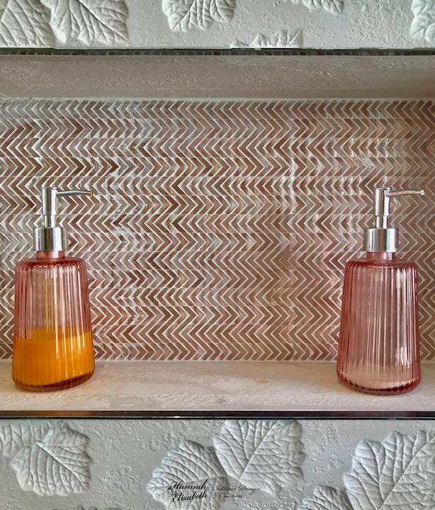 Niche salle d eau faience cuivre hannah elizabeth interior design
