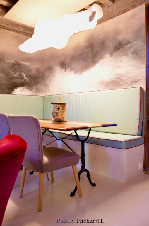 Nuages papier peint nuage lumiere vert deau coin repas hannah elizabeth interior design