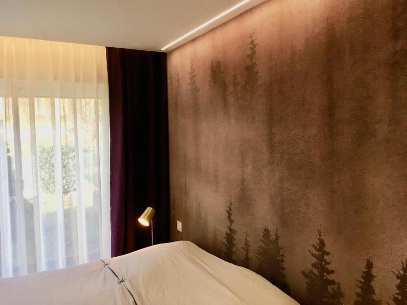 Papier peint panoramique violet chambre hannah elizabeth interior design