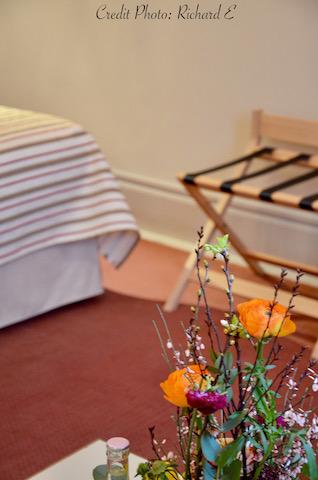Porte bagage fleurs hotel hannah elizabeth interior desgin