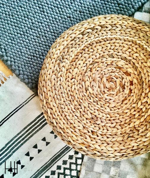 Pouf et tapis salon hannah elizabeth interior design