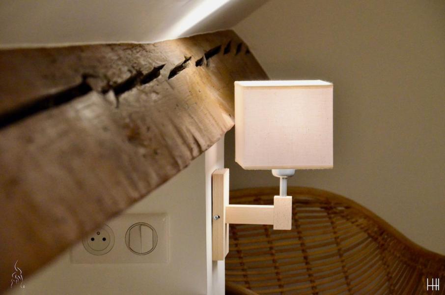 Poutre lampe chevet hannah elizabeth interior design
