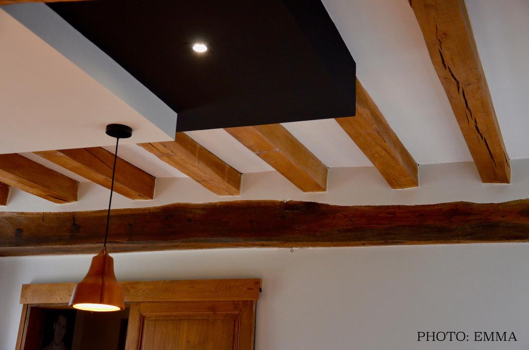 Poutres double faux plafond noir blanc hannah elizabeth interior design