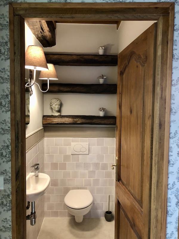 Relooking wc poutres bois hannah elizabeth interior design