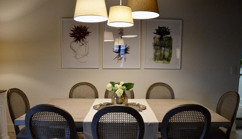Salle a manger authentique chaise canne hannah elizabeth interior design