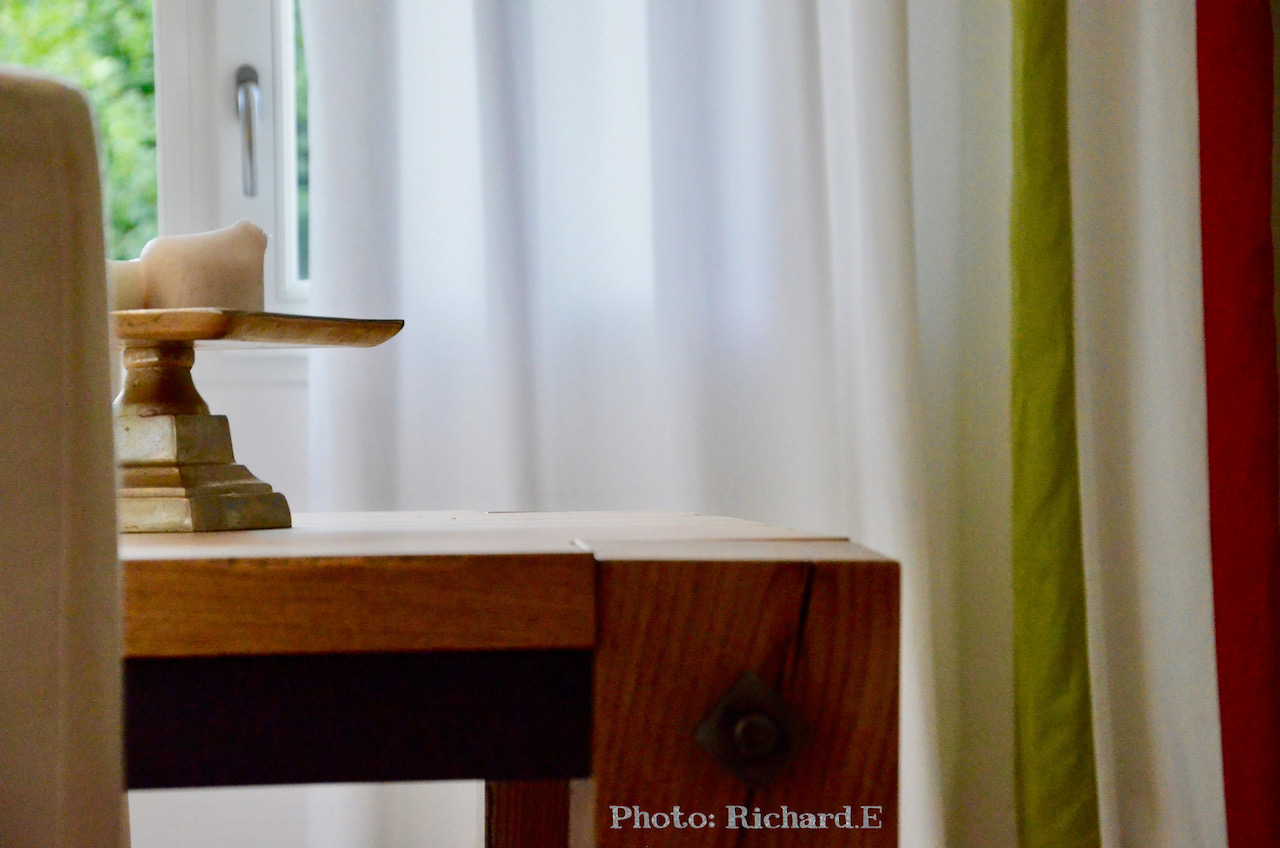 Salle a manger bois clair rose vert hannah elizabeth interior design