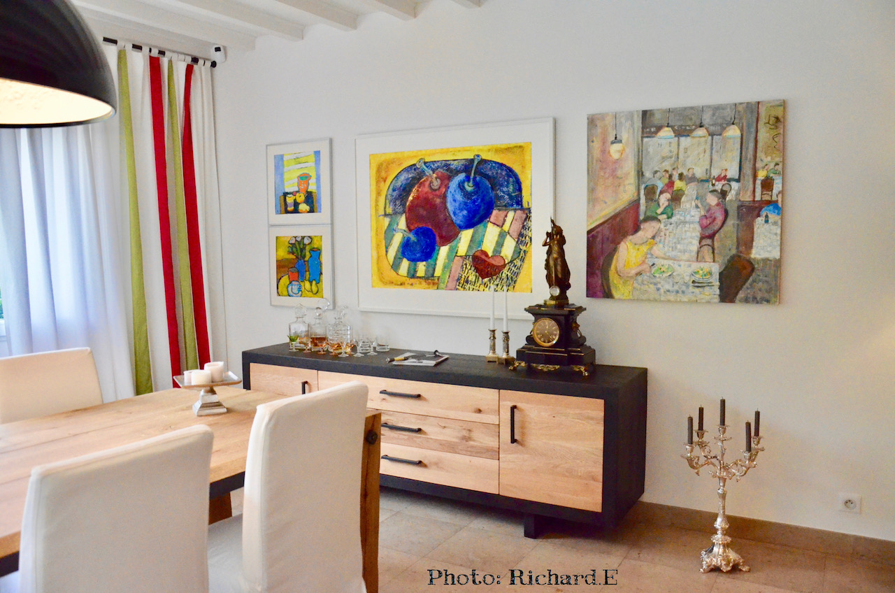Salle a manger bois massif buffet et tableaux hannah elizabeth interior design