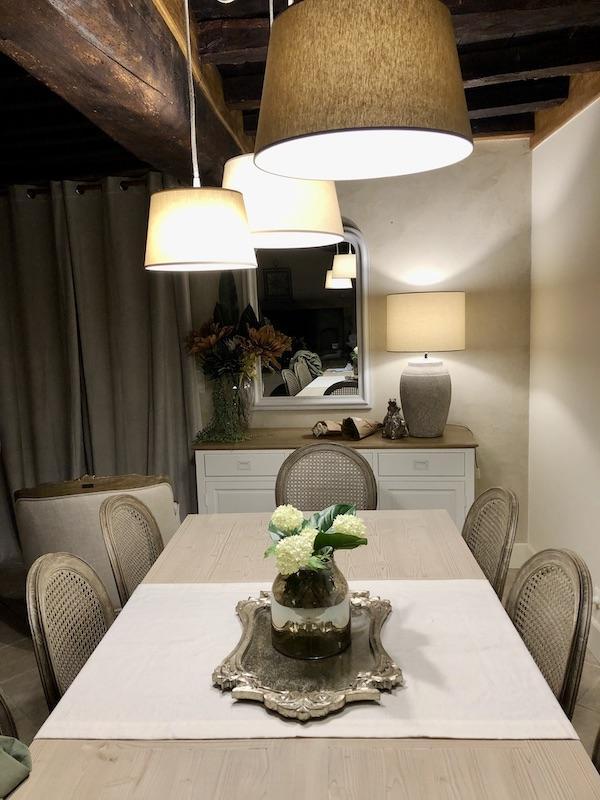 Salle a manger centre table hannah elizabeth interior design